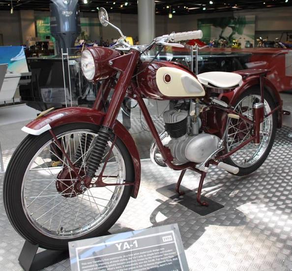 Первый мотоцикл Yamaha YA-1